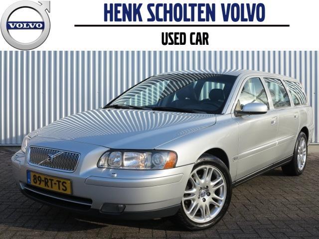 Volvo V70 2.4 140pk aut5 navi cruise cntrl. trekhaak