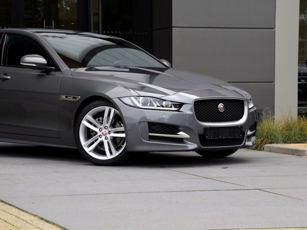 """Jaguar XE 2.0D R-Sport 19"""""""
