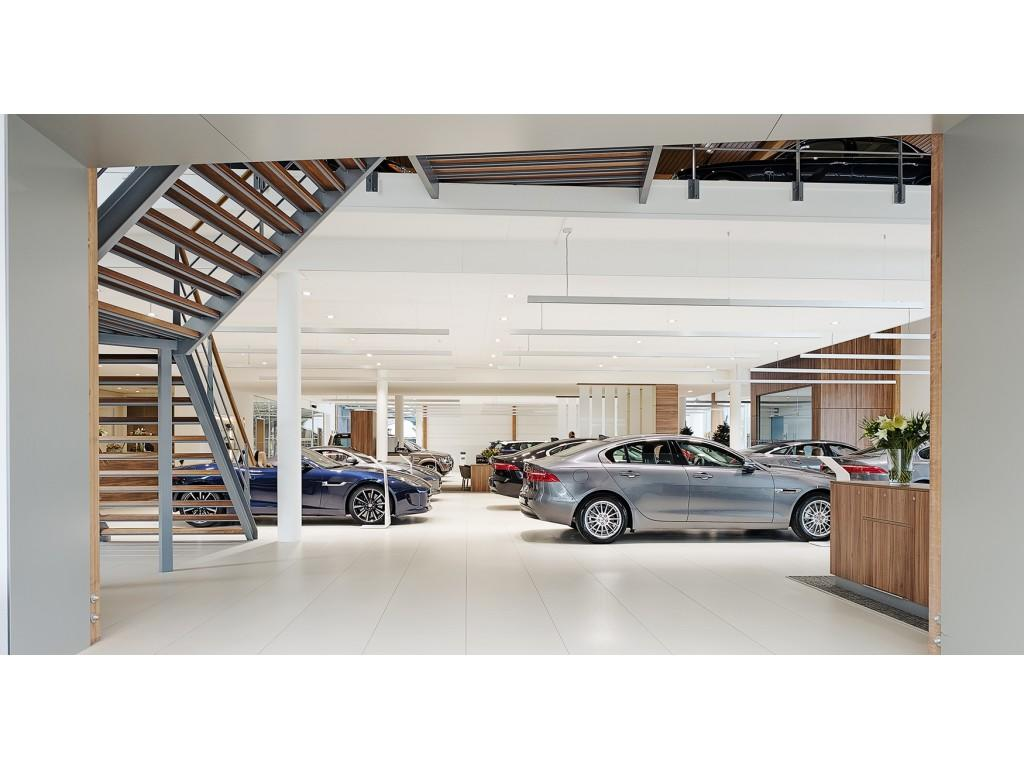 "Jaguar XF 2.0D R-Sport 19"""