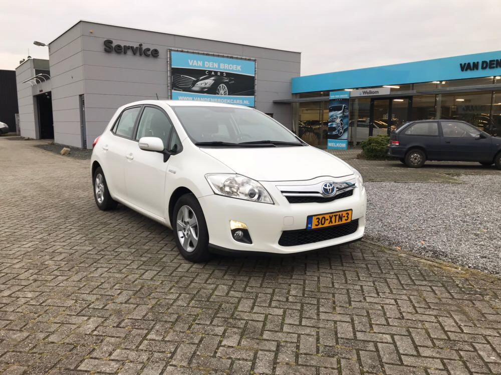 Toyota Auris 1.8 full hybrid limited