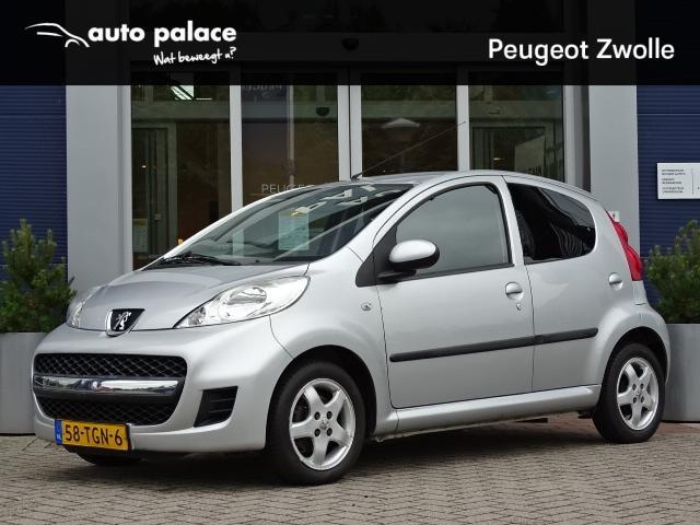 Peugeot 107 1.0 12v 68pk 5d black and silver