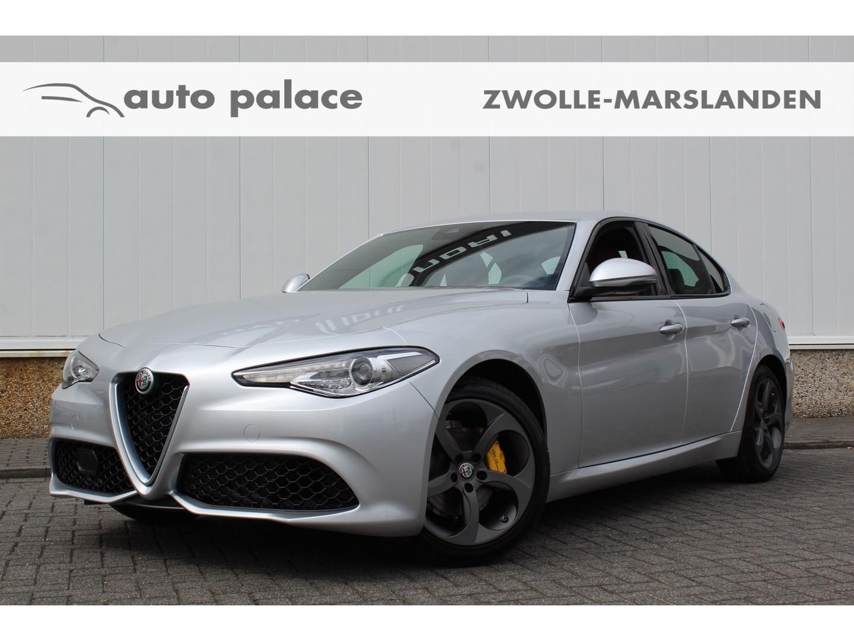 Alfa romeo Giulia 2.0t 200pk at super fiscale waarde €44.175