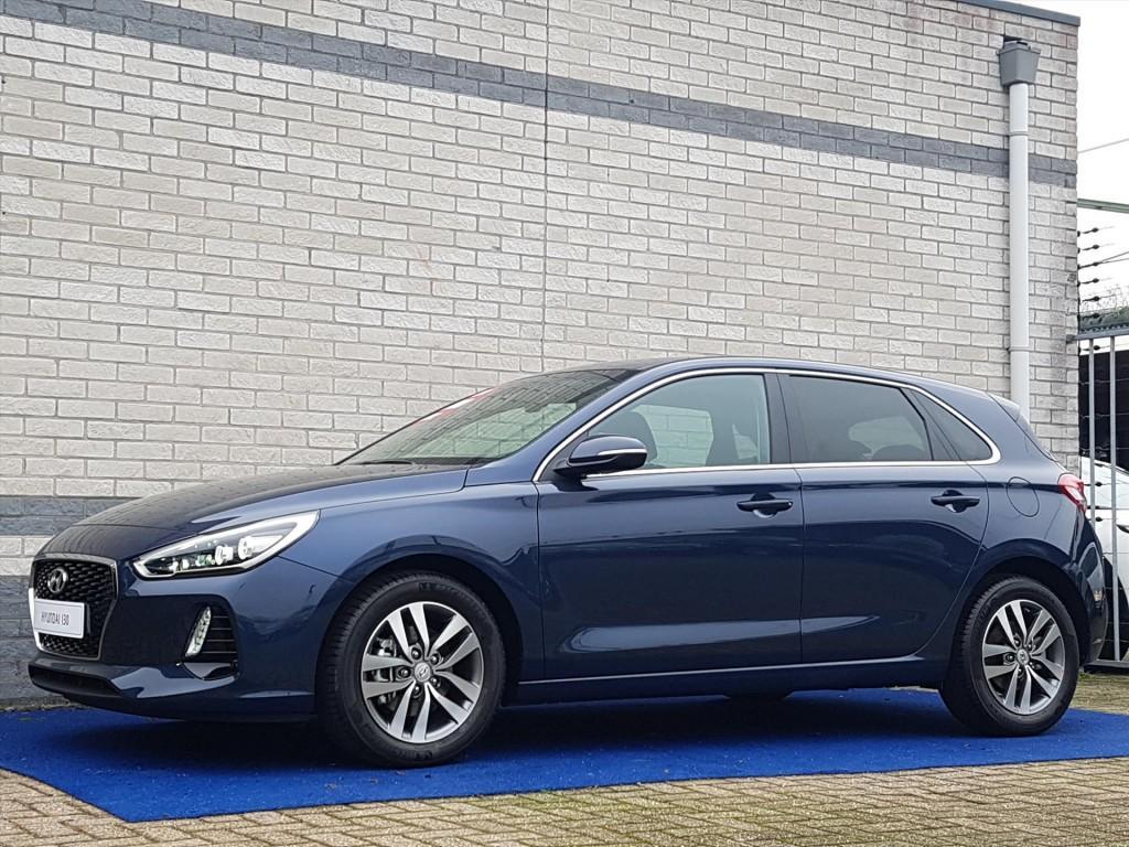 Hyundai I30 First edition rijklaar naviagatie climate controle