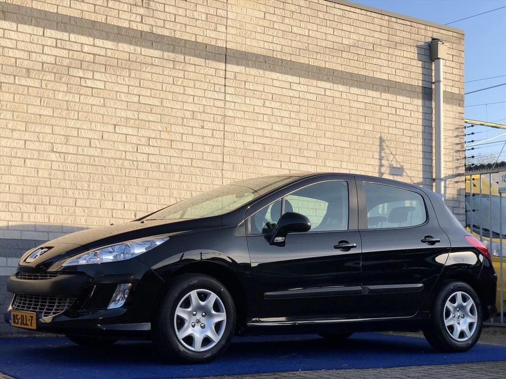 Peugeot 308 Xs 120pk trekhaak navigatie cruise control