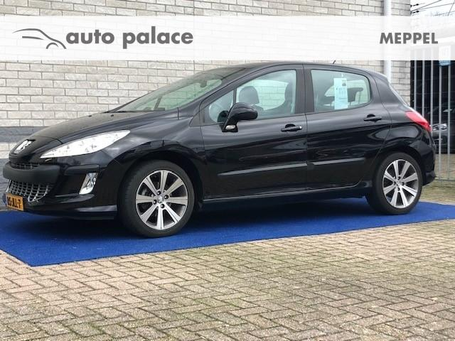 Peugeot 308 120pk trekh. navigatie 17 inch lmv