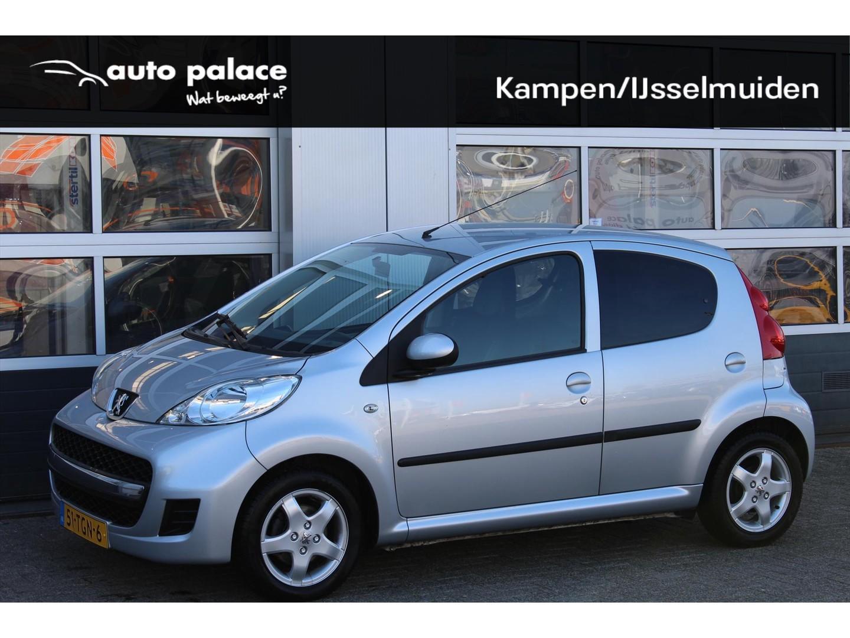 Peugeot 107 1.0 12v 68pk 5d black & silver