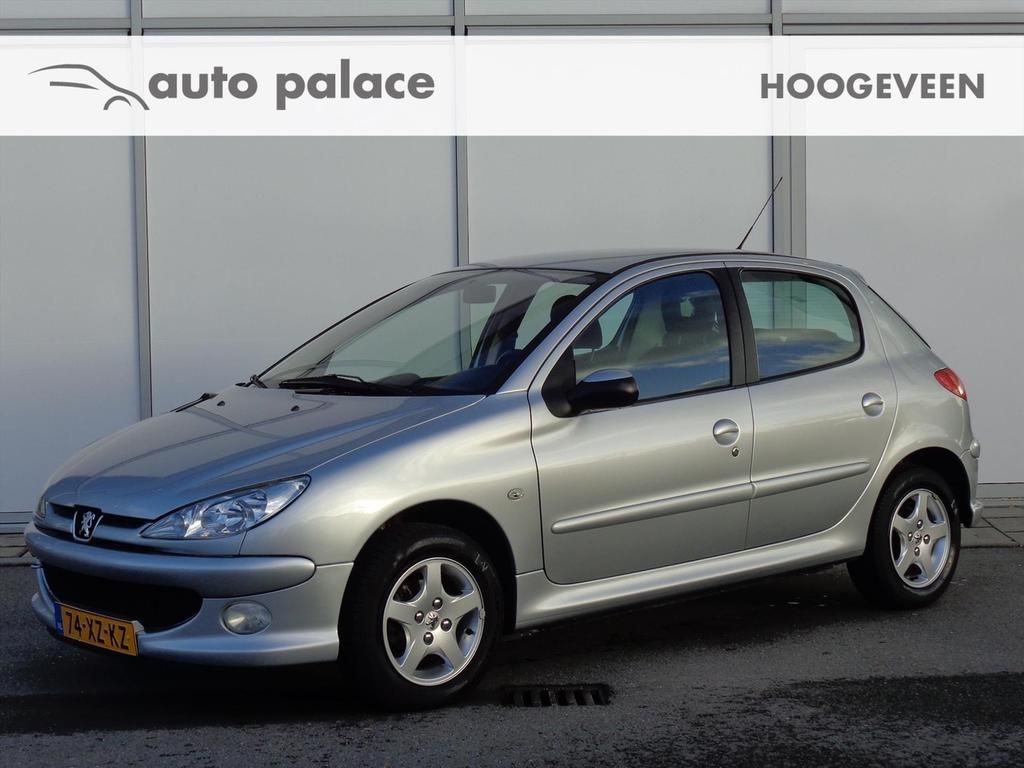 Peugeot 206 1.6 16v 5 deurs airline airco/ecc lmv