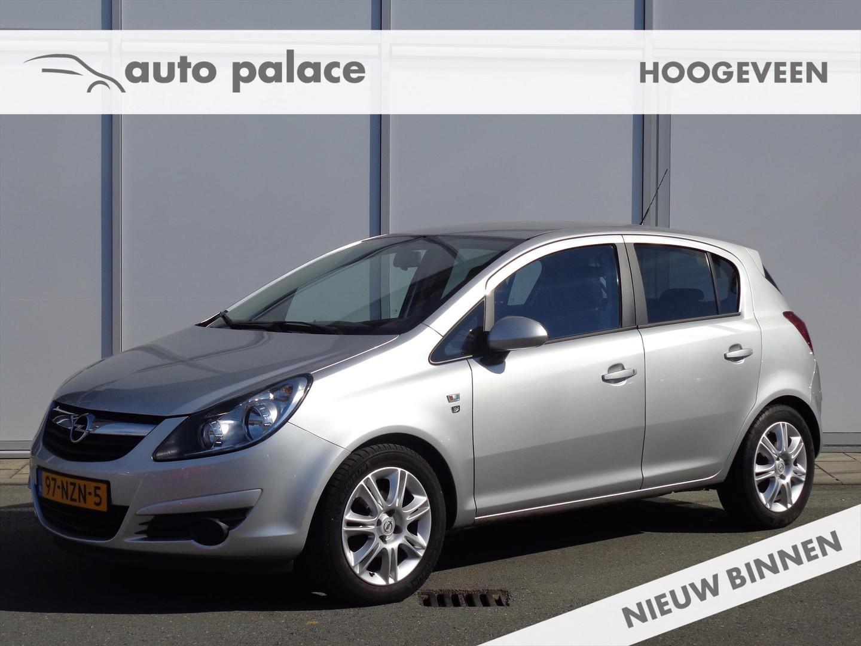 Opel Corsa 1.2 16v 5deurs 111 edition