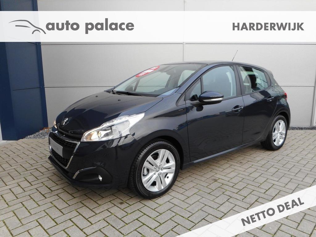 Peugeot 208 1.2pt 82pk signature