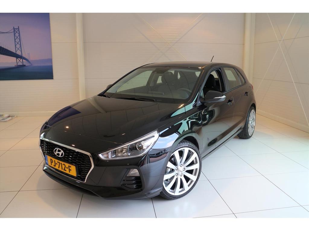 Hyundai I30 1.0 t-gdi 120pk i-motion slechts 236 km!!!!