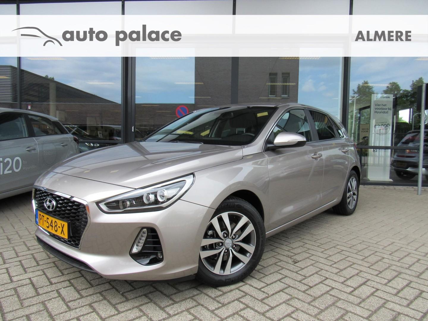 Hyundai I30 1.0 t-gdi 120pk first edition navi, camera