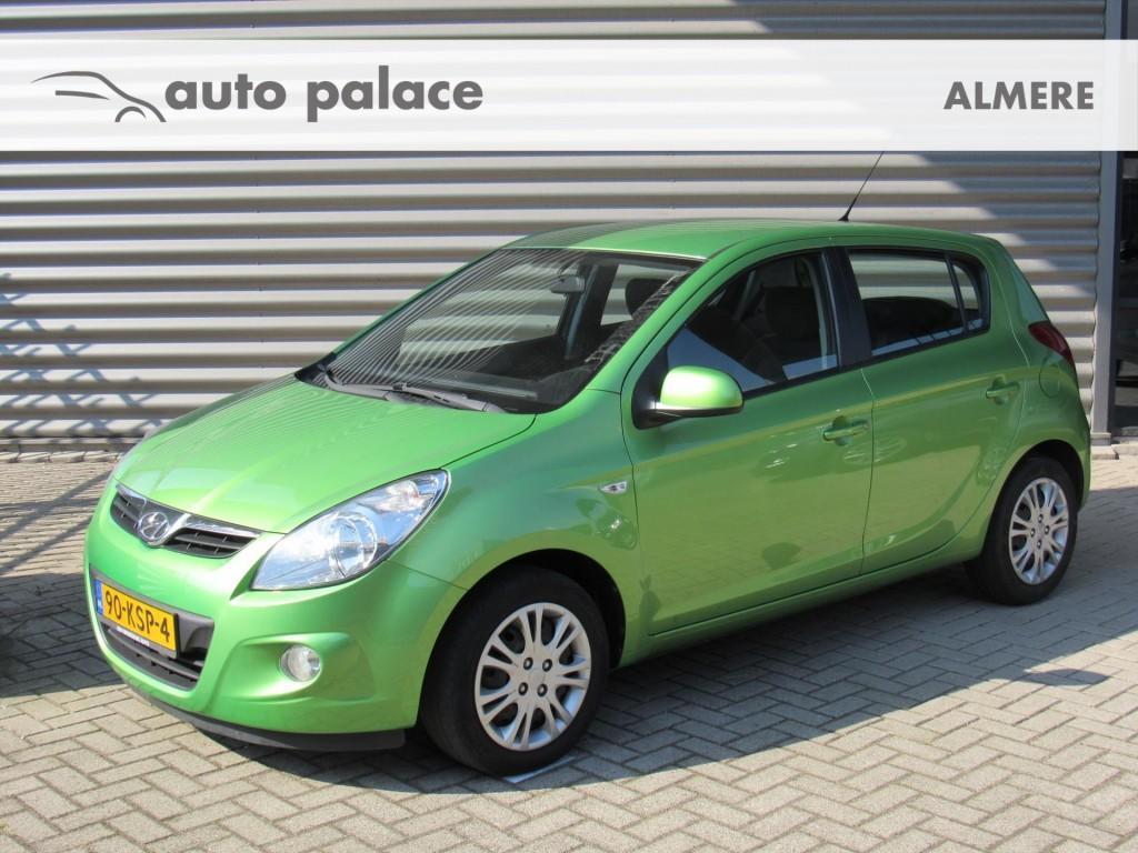 Hyundai I20 1.4i dynamic airco el ramen stuurbekr