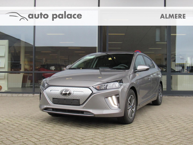 Hyundai Ioniq Ev 136pk aut premium met schuif-/kanteldak