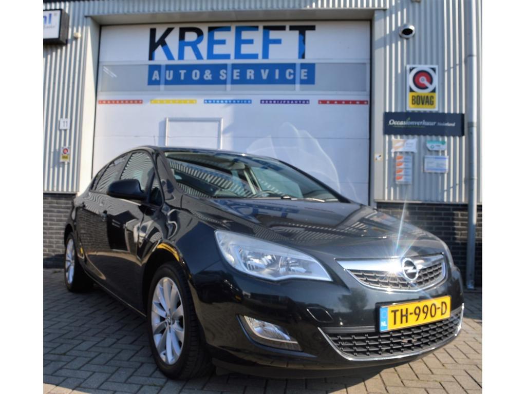 Opel Astra 1.4 turbo cosmo 140 pk, cruise control, airco, stoelverwarming.