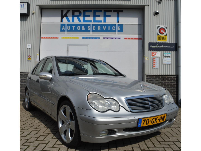 Mercedes-benz C-klasse 180 avantgarde, topstaat, youngtimer, super lage nap km stand leder, cruise control.