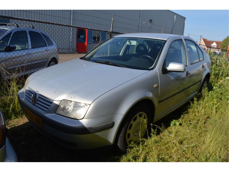 Volkswagen Bora 1.6 trendline airco/ vaste prijs zo meeneemen