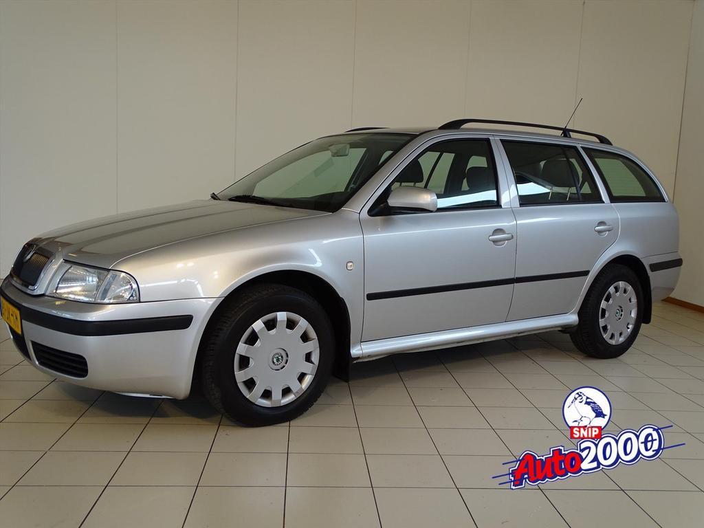 Škoda Octavia 1.6 combi 75kw comfort nieuwe apk!