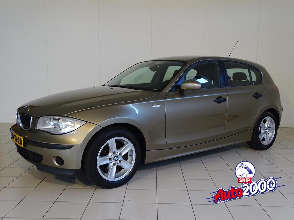Bmw 1 serie 2.0 118i 5 deurs executive