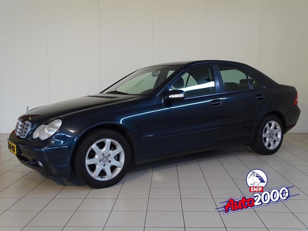 Mercedes-benz C-klasse 2.0 c180 sedan aut classic