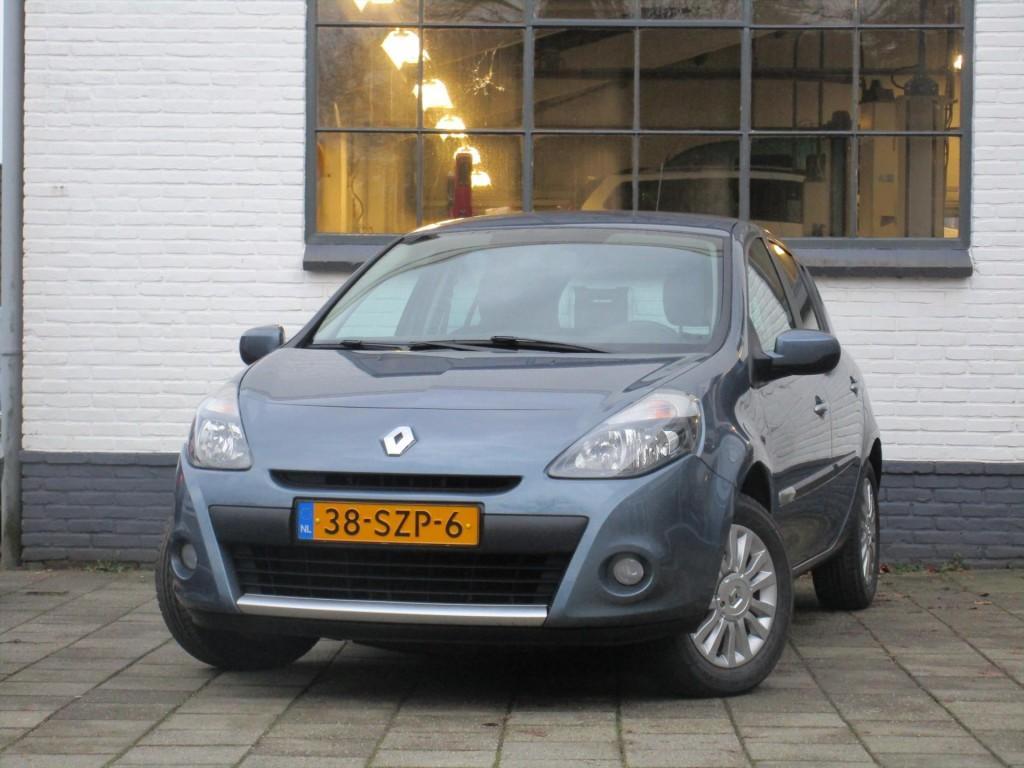Renault Clio 1.2 16v 75 pk 5d authentique - airco - 4 nieuwe banden -