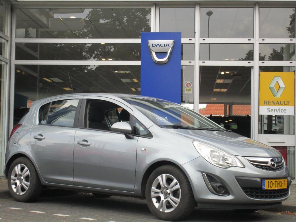 Opel Corsa 1.4 16v 5d cosmo - navigatie - airco - 5 drs - 100pk -