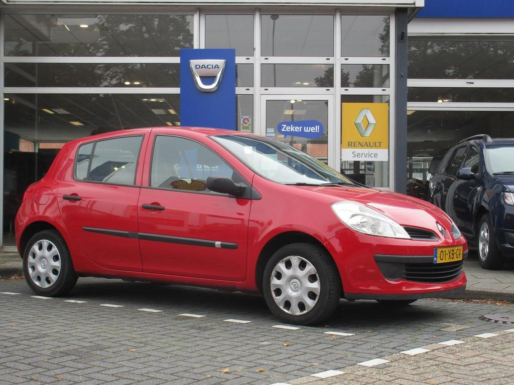 Renault Clio 1.2 16v 55kw 5-drs expression - airco - nieuwe apk - trekhaak -