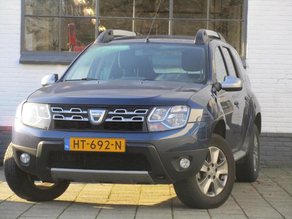 Dacia Duster Tce 125pk 4x2 10th anniversary - navigatie - camera - pdc -