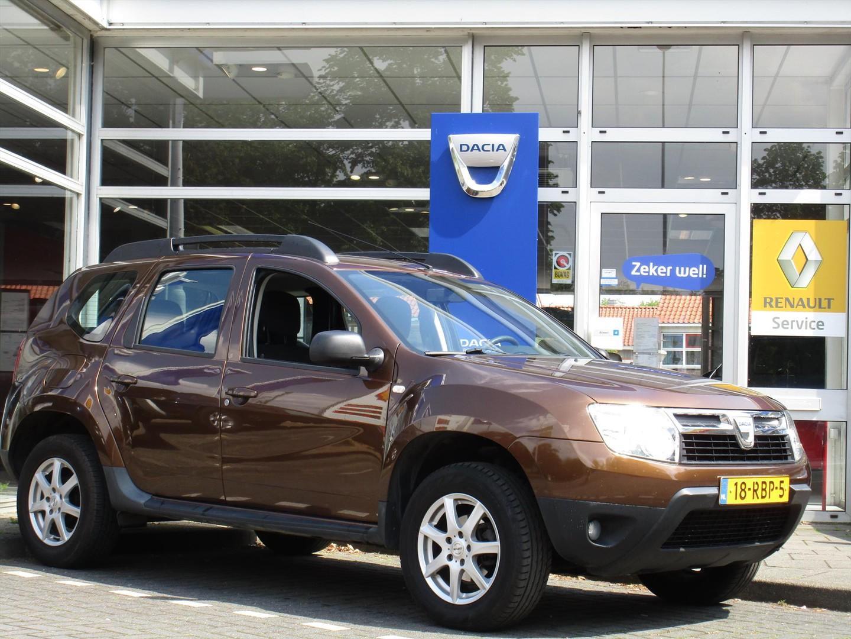 Dacia Duster 1.6 16v 110 4x2 lauréate - lage km stand - airco - trekhaak -