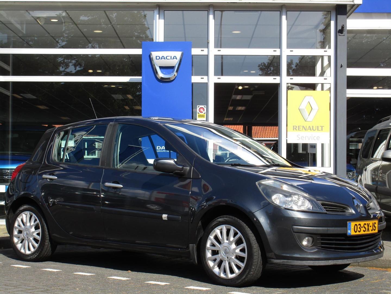 Renault Clio 1.4 16v 72kw 5-drs dynamique - airco - trekhaak -