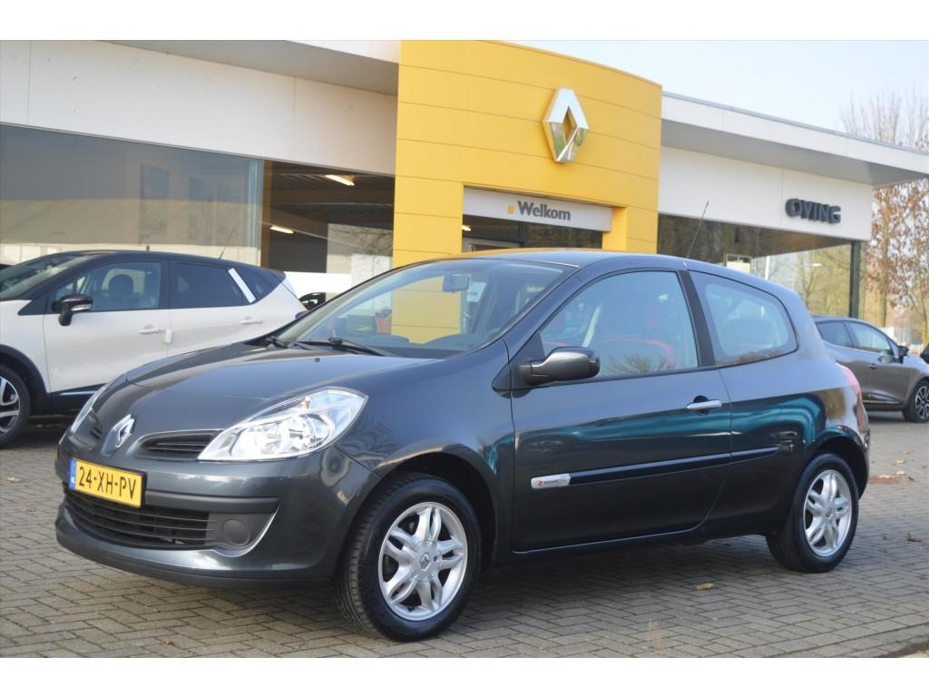 Renault Clio 1.4 16v 100 rip curl