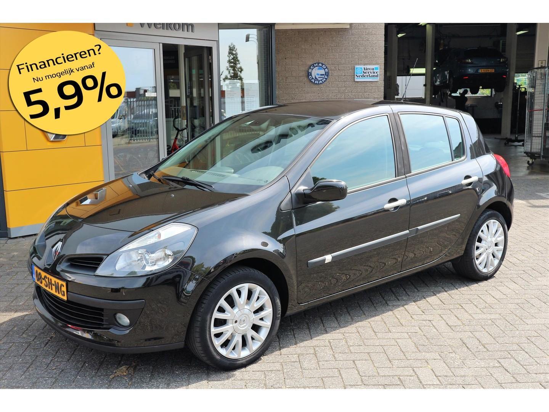 Renault Clio 1.4 16v 100pk dynamique luxe 5-drs.