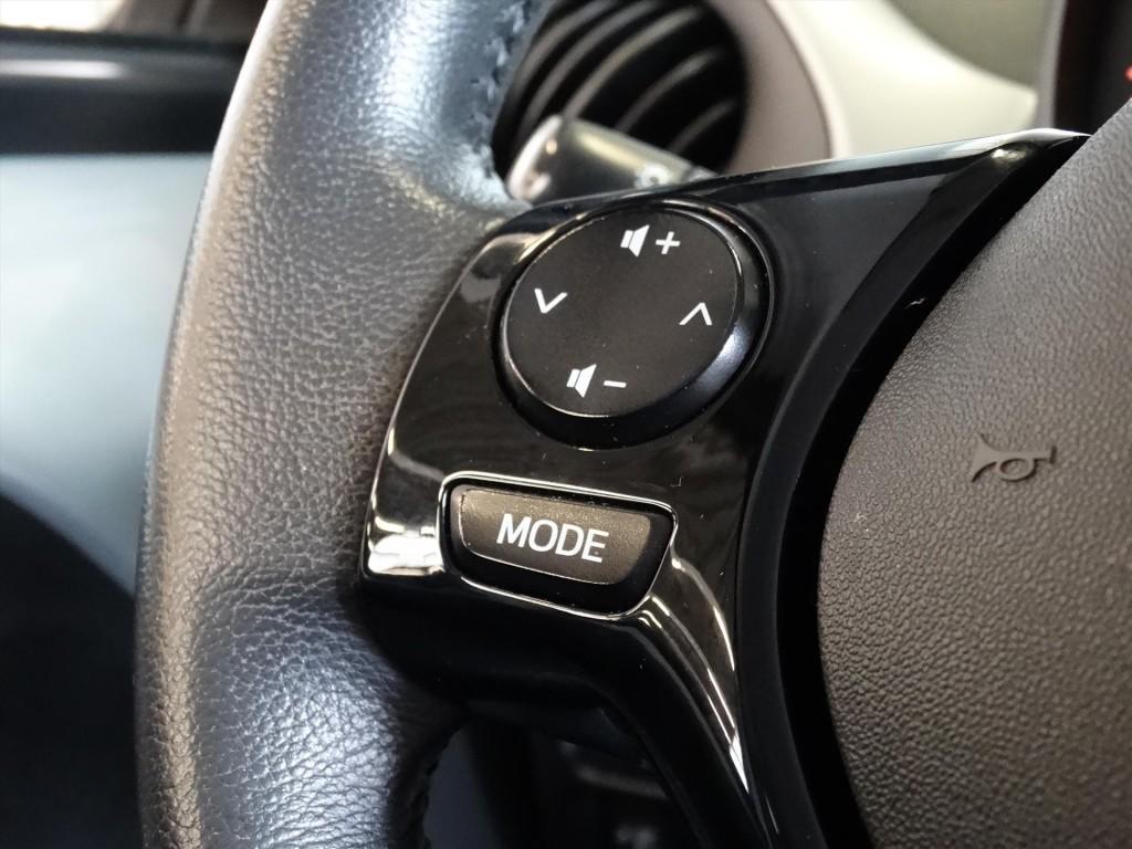 Peugeot 108 1.0 e-VTi 5D Première * Clima * Keyless * Camera