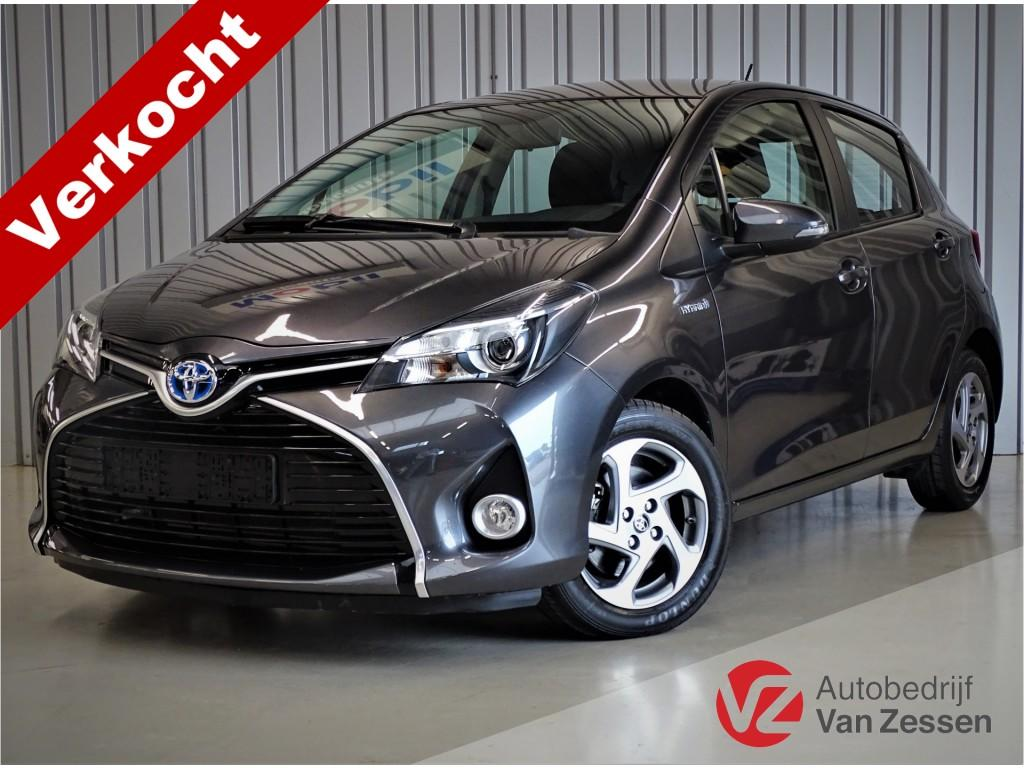 Toyota Yaris 1.5 hybrid aspiration l camera l cruise l airco l led