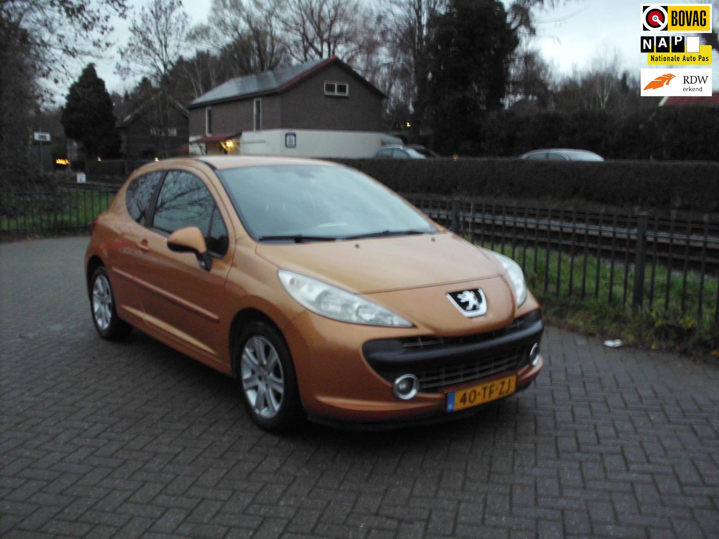 Peugeot 207 1.6-16v xs pack airco cruise controle rijklaar