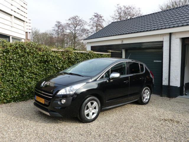 Peugeot 3008 2.0 hdif hybrid4 blue lease