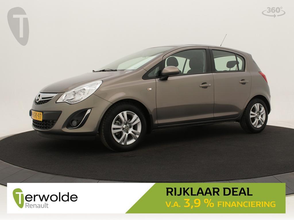 Opel Corsa 1.4-16v design edition zeer lage km stand