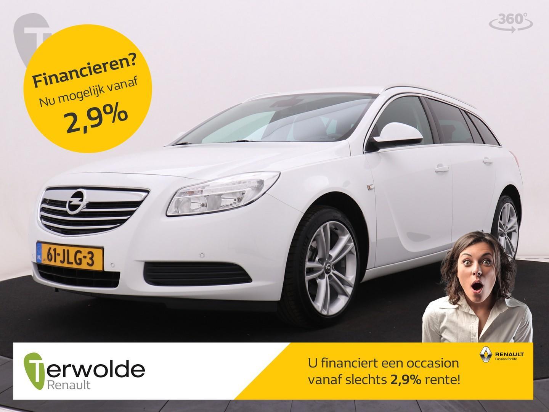 "Opel Insignia Sports tourer 1.8 edition navigatiesysteem i airco i 18"" lichtmetalen velgen i trekhaak"
