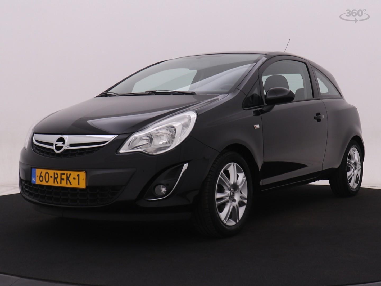 Opel Corsa 1.2-16v edition 86pk airco i cruise control i lichtmetalen wielen