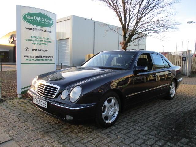 Mercedes-benz E-klasse E200 sedan avantgarde aut