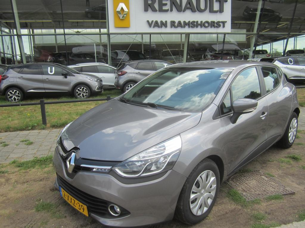 Renault Clio 1.5 dci eco night&day pdc medianav bluetooth airco