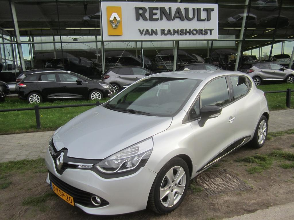 "Renault Clio 0.9 tce 90pk expression lmv airco medianav 16""lmv"