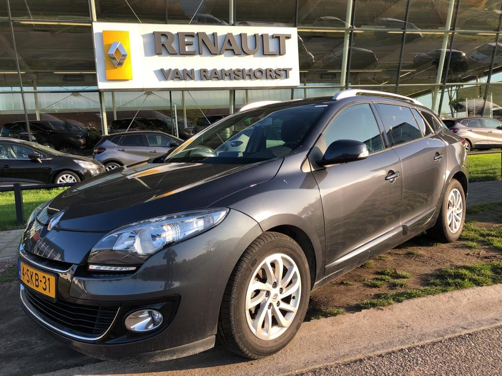 Renault Mégane Estate 1.5 dci 110pk collection pan dak keyless pdc trh.