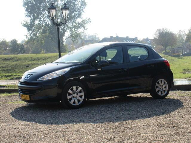 Peugeot 207 1.4 vti cool 'n blue - airco