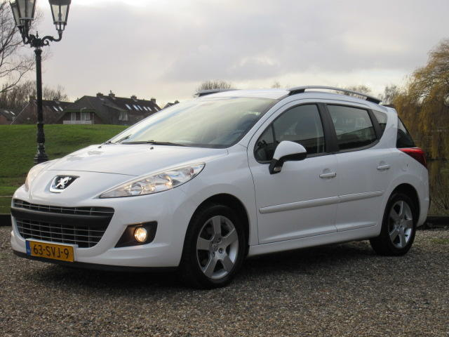 Peugeot 207 Sw 1.6 hdi blue lease executive - clima - navigatie