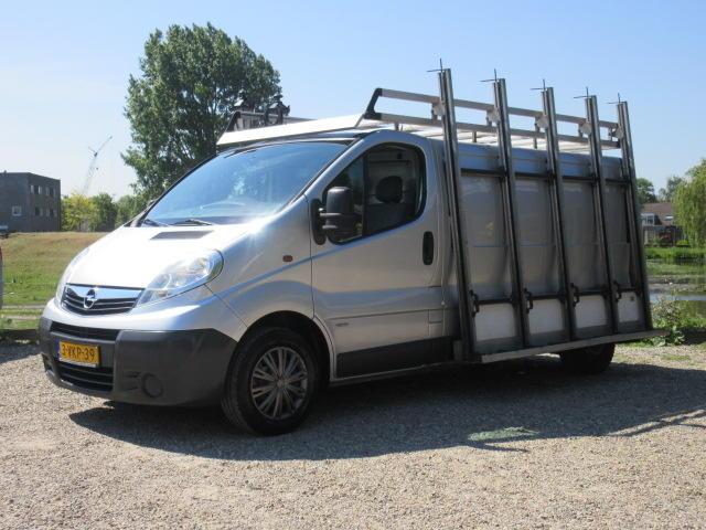 Opel Vivaro 2.0 cdti l2h1 glaswagen - airco - 3 zits - navi - 6 bak !