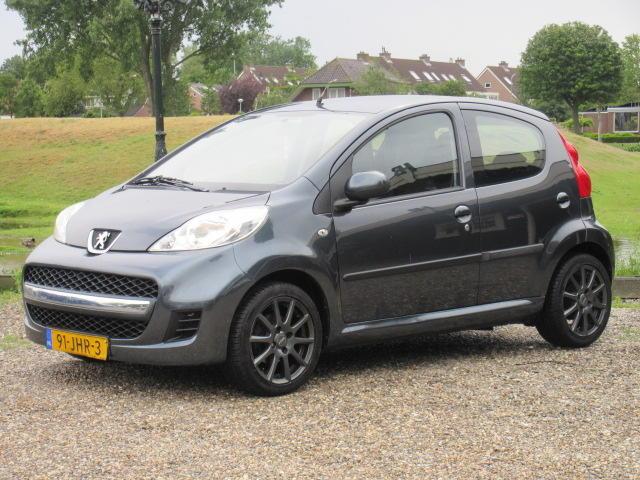 Peugeot 107 1.0-12v sublime - airco - toerenteller