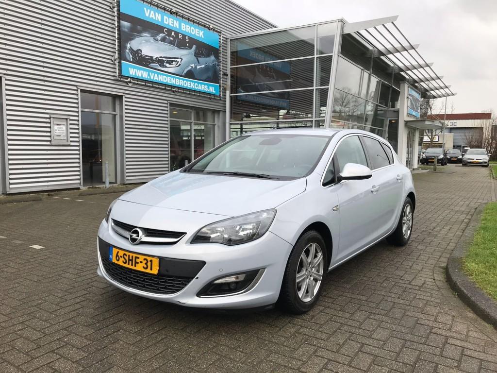 Opel Astra 1.4 turbo sport 140 pk / nap