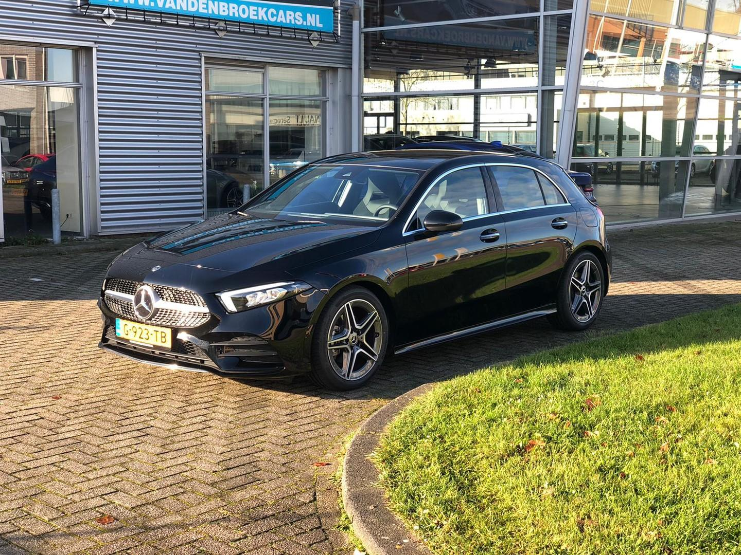 Mercedes-benz A-klasse 200 amg / pano / ambient / wide screen / 18' /