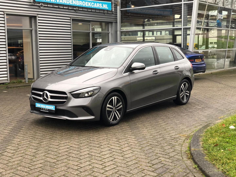 Mercedes-benz B-klasse 180  tijdelijk op afspraak geopend/proefrit aan huis /nieuw model / wide screen navi / leder / camera / ect ect
