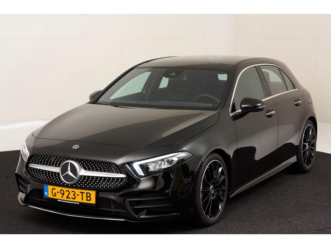 Mercedes-benz A-klasse 200 amg / pano / 19inch zwart / ambient / camera / nieuwstaat